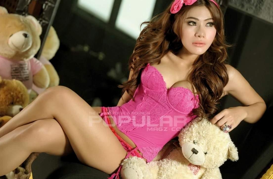 Gambar Bugil Foto Model Lingerie Asal Indonesia Payudara Sexy