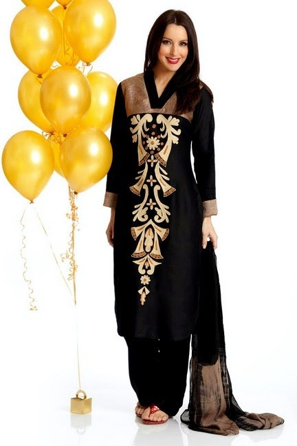 Long Embroidered Neckline Bunch on Kameez