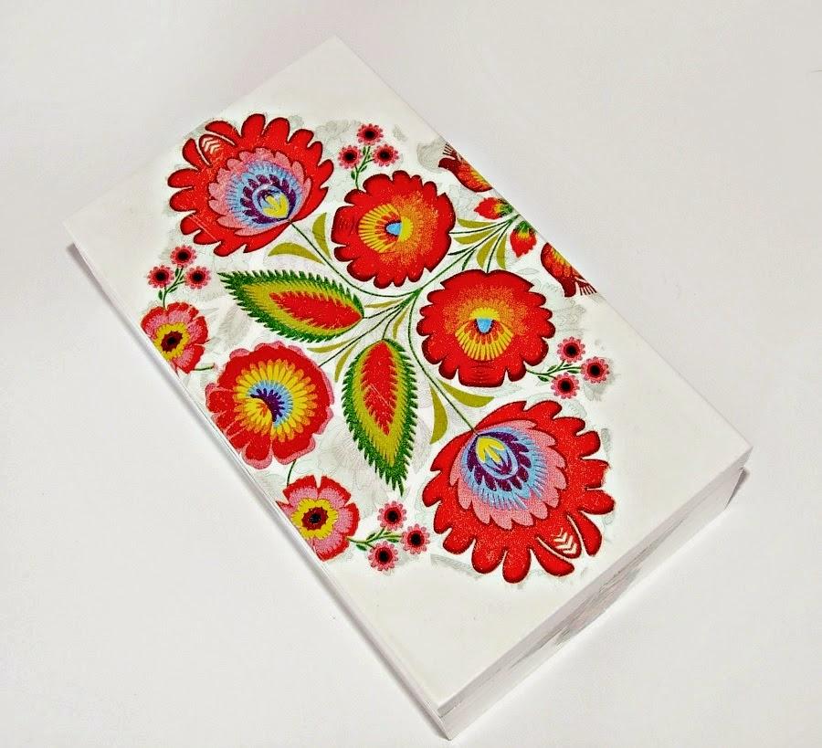 Białe pudełko decoupage z motywem folkowym. Motyw ludowy decoupage. Eco Manufaktura