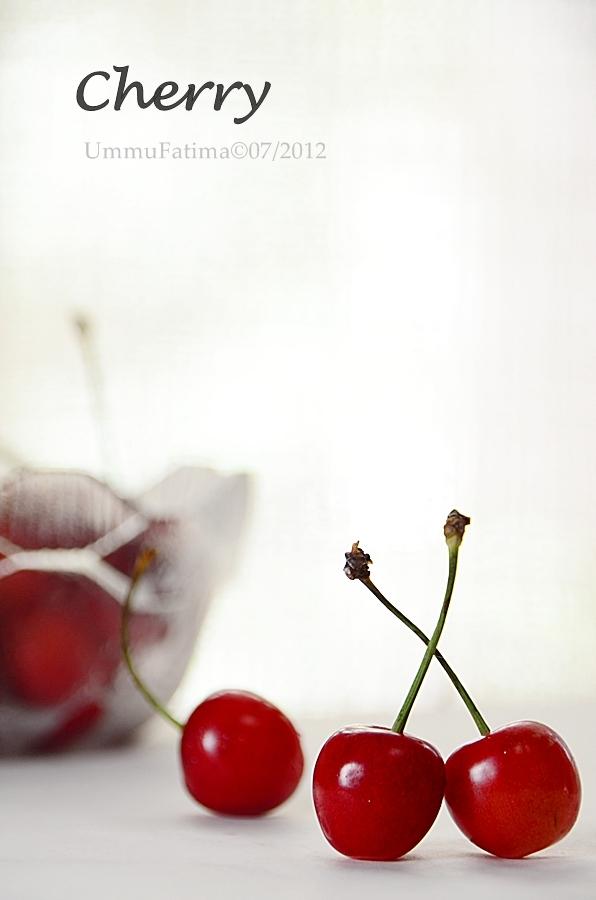 cherry merah