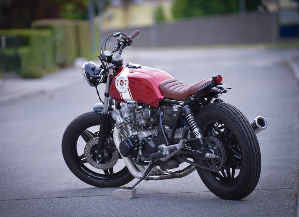 red sun cb750 by 7seven custom return of the cafe racers. Black Bedroom Furniture Sets. Home Design Ideas