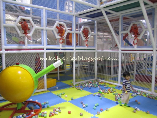 Mikahaziq indoor playground kuala lumpur near ikea for Indoor playground for toddlers near me