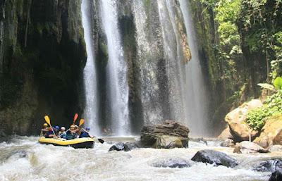 memang populer mempunyai banyak sekali tempat wisata alam yang wajib dikunjungi bagi kalian ya Tempat Wisata Alam Jawa Timur Terbaik