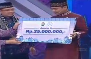 Nawari sebagai Juara ke tiga Aksi indosiar mendapat uang tnai 25 juta.