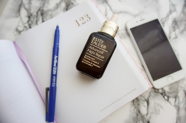 Estee Lauder Advanced night repair synchronised recovery complex II. Excellent facial serum for that night time routine.