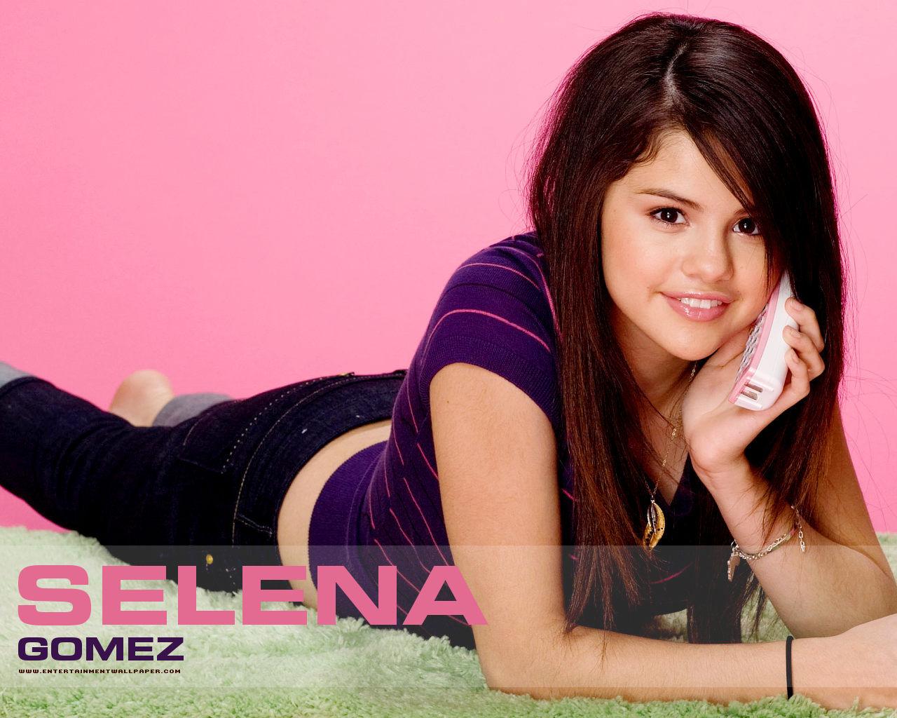 http://4.bp.blogspot.com/-tGslkK8TJfM/TqwAEXI89MI/AAAAAAAAASY/yWyO3dpHxgc/s1600/Selena%2BGomez%2BStyle%2BWallpaper.jpg
