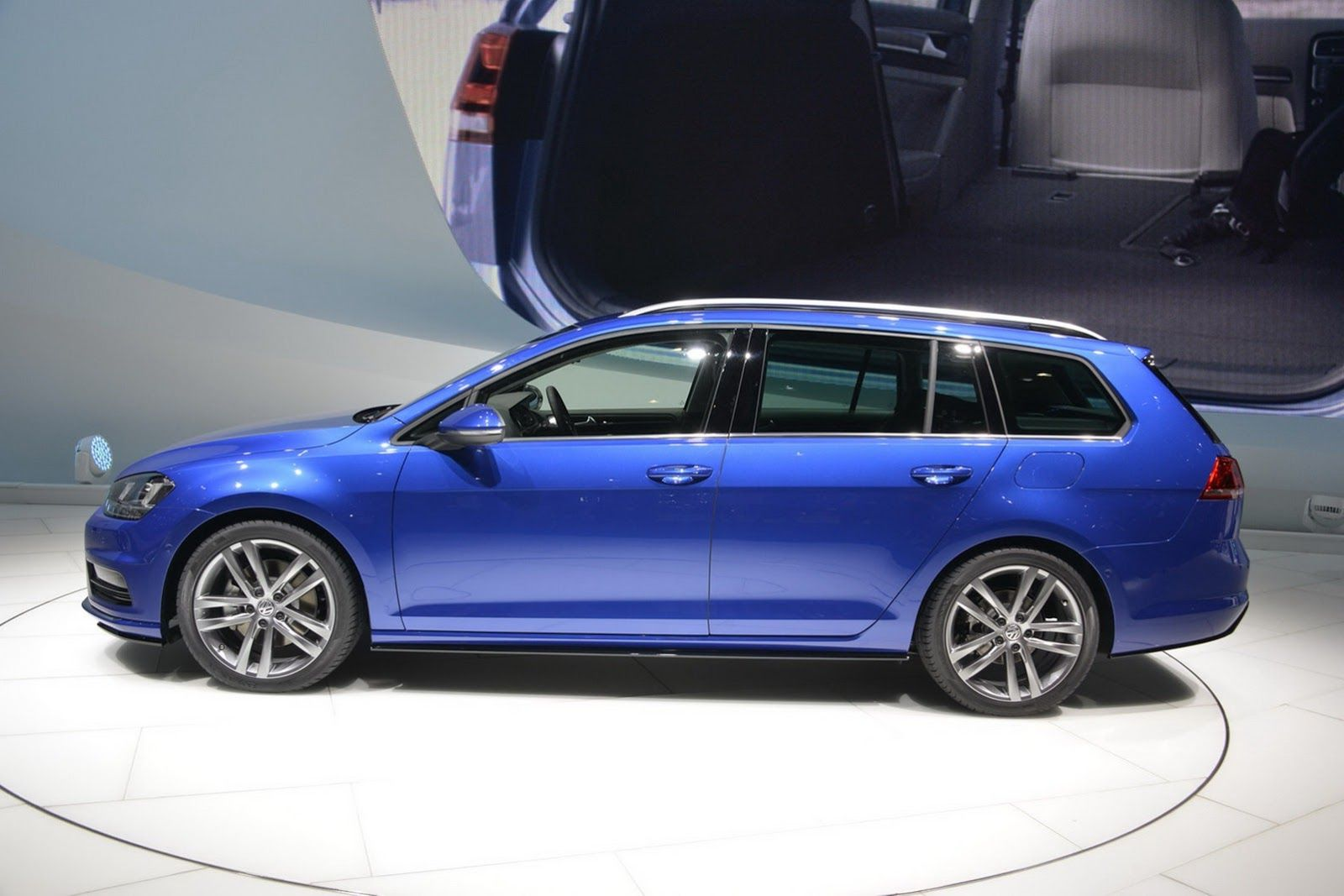 vw golf variant r volkswagen golf r variant wagon. Black Bedroom Furniture Sets. Home Design Ideas