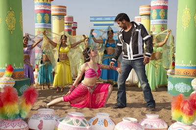 Tamanna Hot Still Navel Showing From Himmatwala Movie With Ajay Debgan