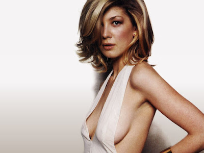 Rosamund Pike Hot Wallpaper