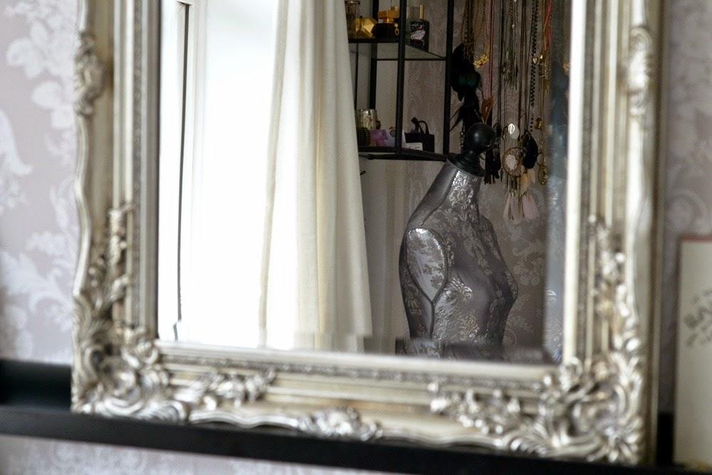 Beauty-Makeup-storage-room-ikea-alex-ekby-drawers