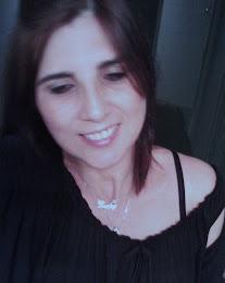 Sorrir é tão bom! Sorrir é amar a vida mesmo que ela seja difícil!