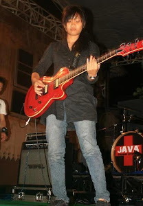 1er Profession; Guitarist