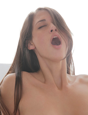 http://4.bp.blogspot.com/-tHYFjdQ1bA0/TdkrUnBM5LI/AAAAAAAAEas/t16MNOnDMyI/s1600/cewek+orgasme.jpg