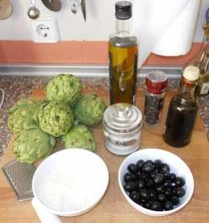 Ingredientes para el paté de alcachofas.
