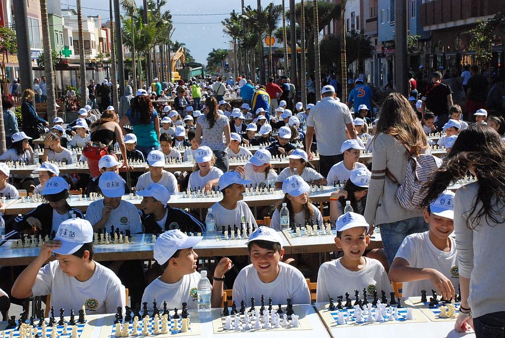 El i encuentro de ajedrez de santa luc a sienta a jugar a - Canarias 7 telefono ...