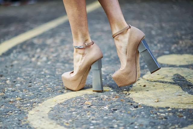 Aperlai+heels