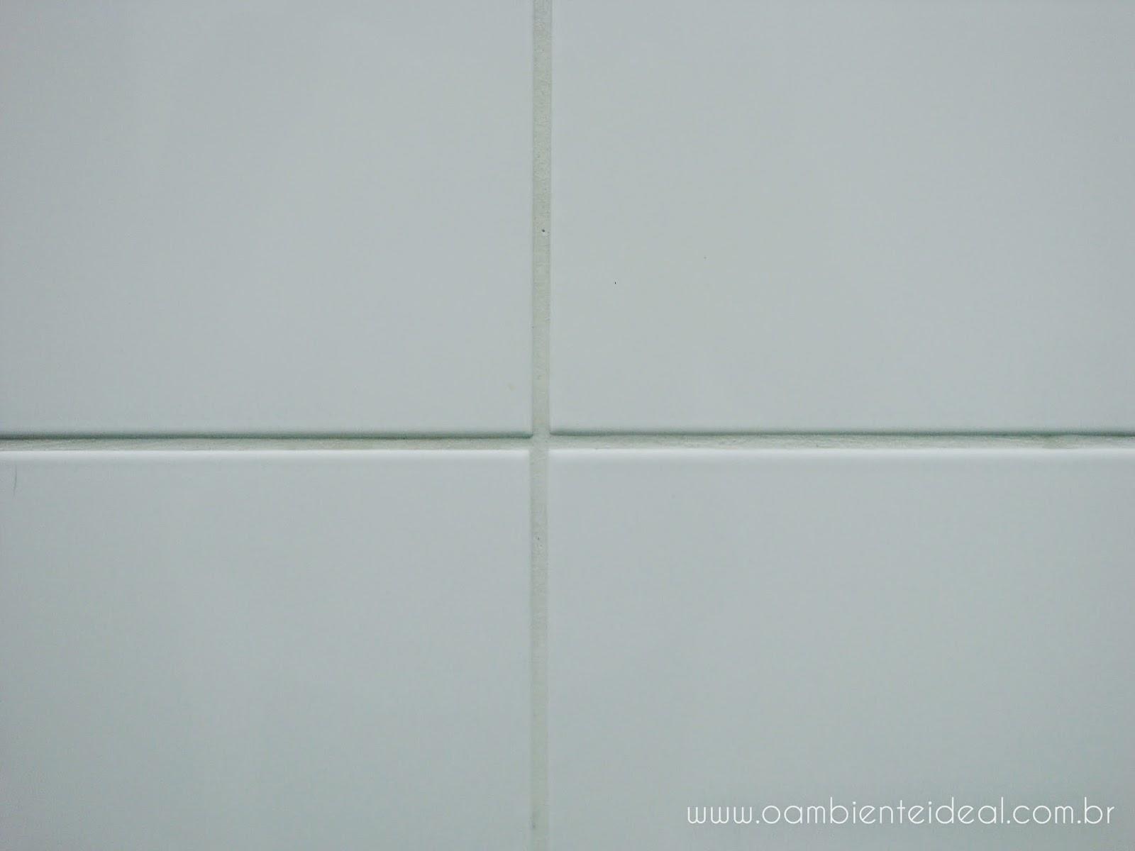 rejunte parte externa do box todo branco não amarelou o rejunte  #53605D 1600x1200 Banheiro Branco Com Rejunte Azul