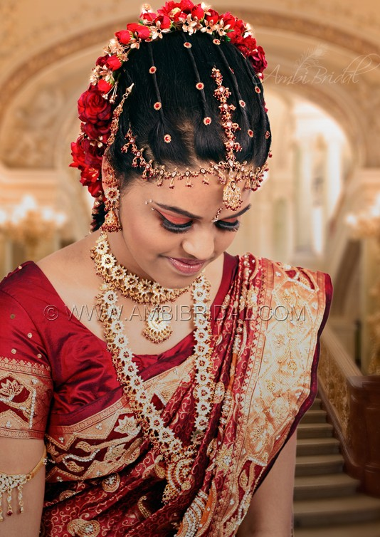 MEHANDI DESIGNS WORLD TAMIL BRIDE WITH BEAUTIFUL BRIDAL WEAR AND HAIR STYLE