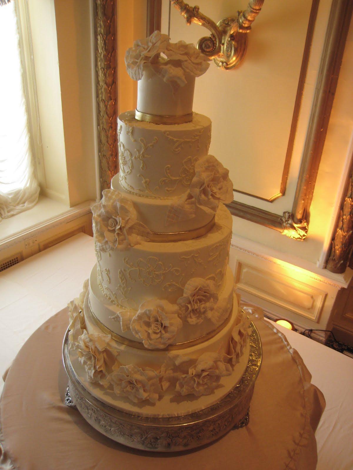 Artis Wedding Cake : Elegant Ivory Wedding Cake Foto Artis - Candydoll