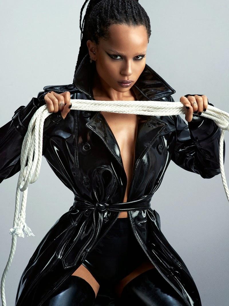 Zoe-Kravitz-Sexy