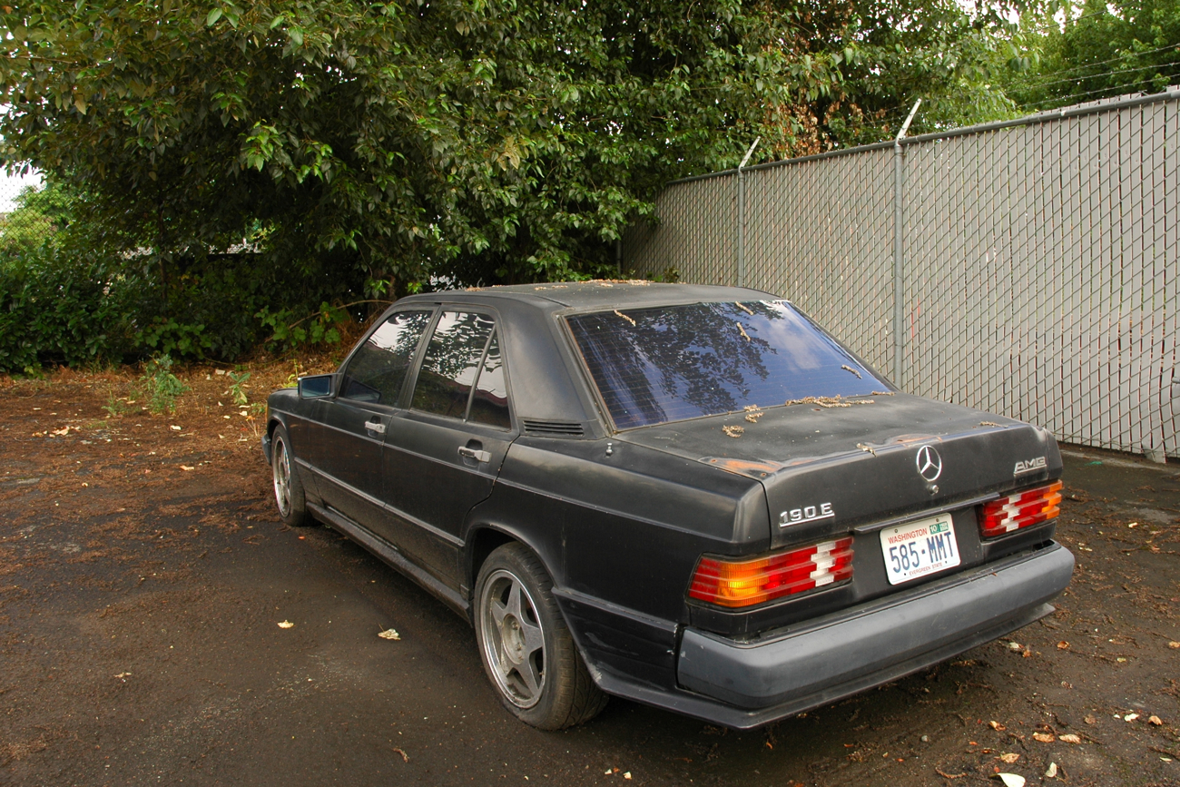 Old parked cars 1986 mercedes benz 190e amg for Mercedes benz 1986