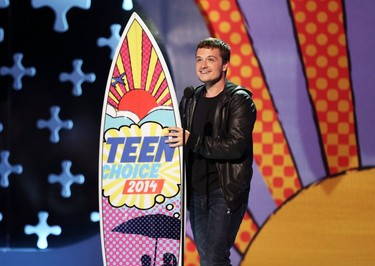Teen Choice Awards 2014, Josh Hutcherson, Surfboard