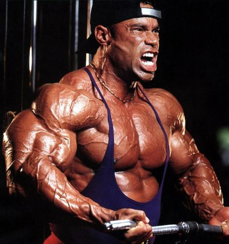 Iin palestra con Kevin Levrone... chest e shoulder.