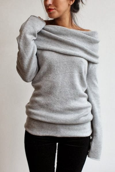 Street Style - Adorable Grey Sweater and Black Pants