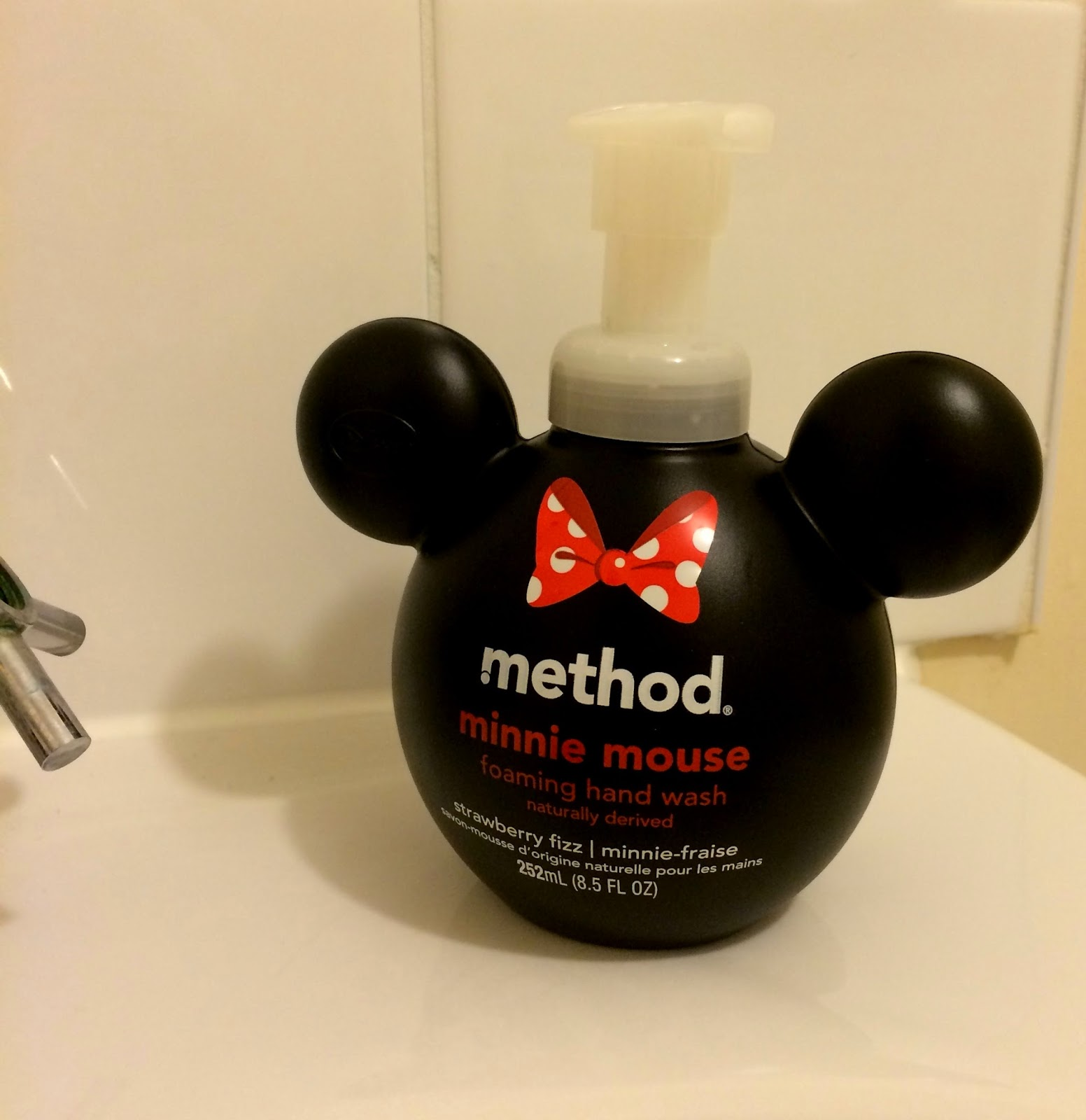 method-whistle-while-you-wash--hand-wash-minnie-mouse