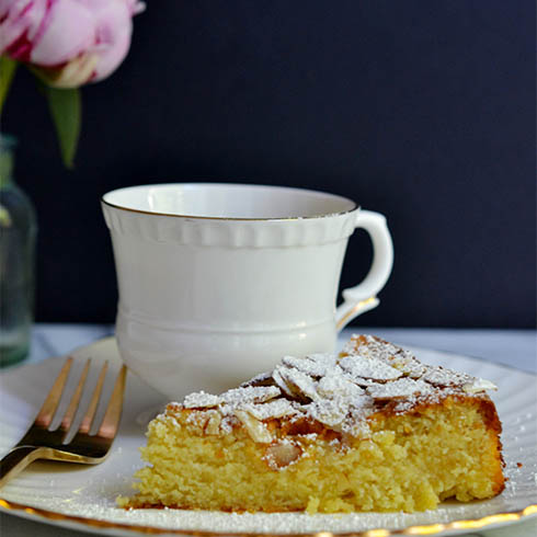 Made By Girl: Food: Lemon, Ricotta and Almond Cake