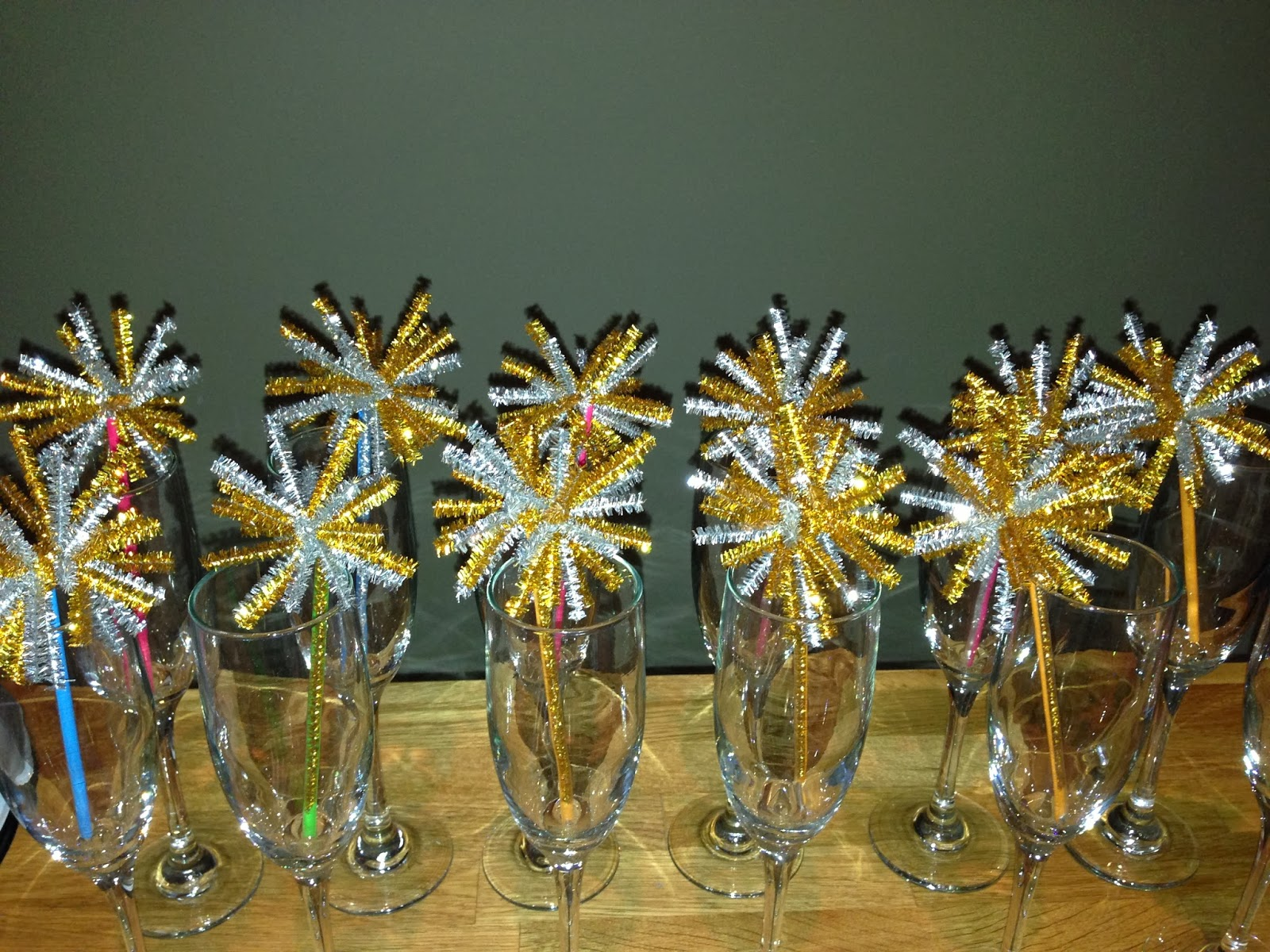 DIY 'Firework' drink stirrers for New Years Eve | Choosing Happy Blog