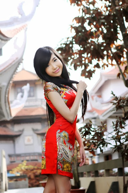 Elly Tran - with sweet red dress