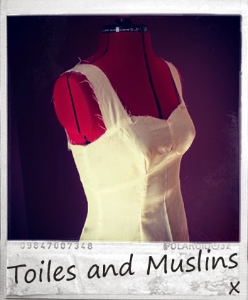 http://www.fashiontodiyfor.com/2014/08/tip-2-toiles-and-muslins.html