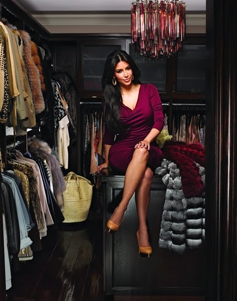 Kim Converted A Guest Bedroom Into A Master Closet, While Her 318 Pairs Of  Shoes, 112 Handbags And 31 Clutches Have Their Own Walk In.