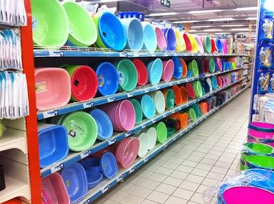 Chinese bin store aisles