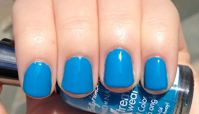 sally hansen blue me away!