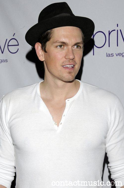 Steve Howey HairStyle (Men HairStyles) - Men Hair Styles Collection