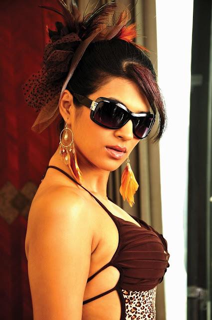 Shraddha Das hot Photos in Rey Movie