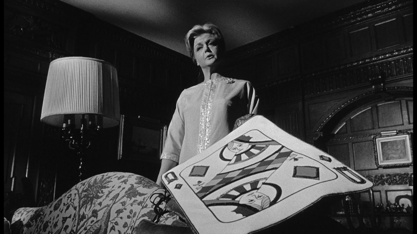 film review of the manchurian candidate Despite rave critical reviews, the manchurian candidate was not a huge box office hit on its initial release due largely to poor marketing by united artists many have said the studio simply did not know what kind of picture they had on their hands.
