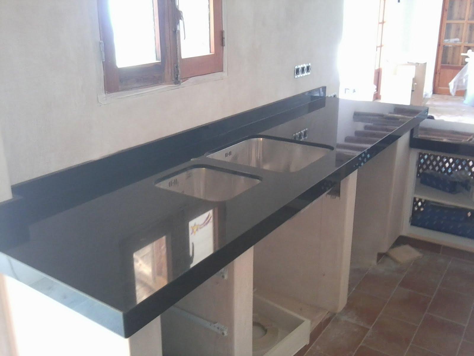 Piedralia global s l encimera de cocina en granito negro - Cocinas de granito ...