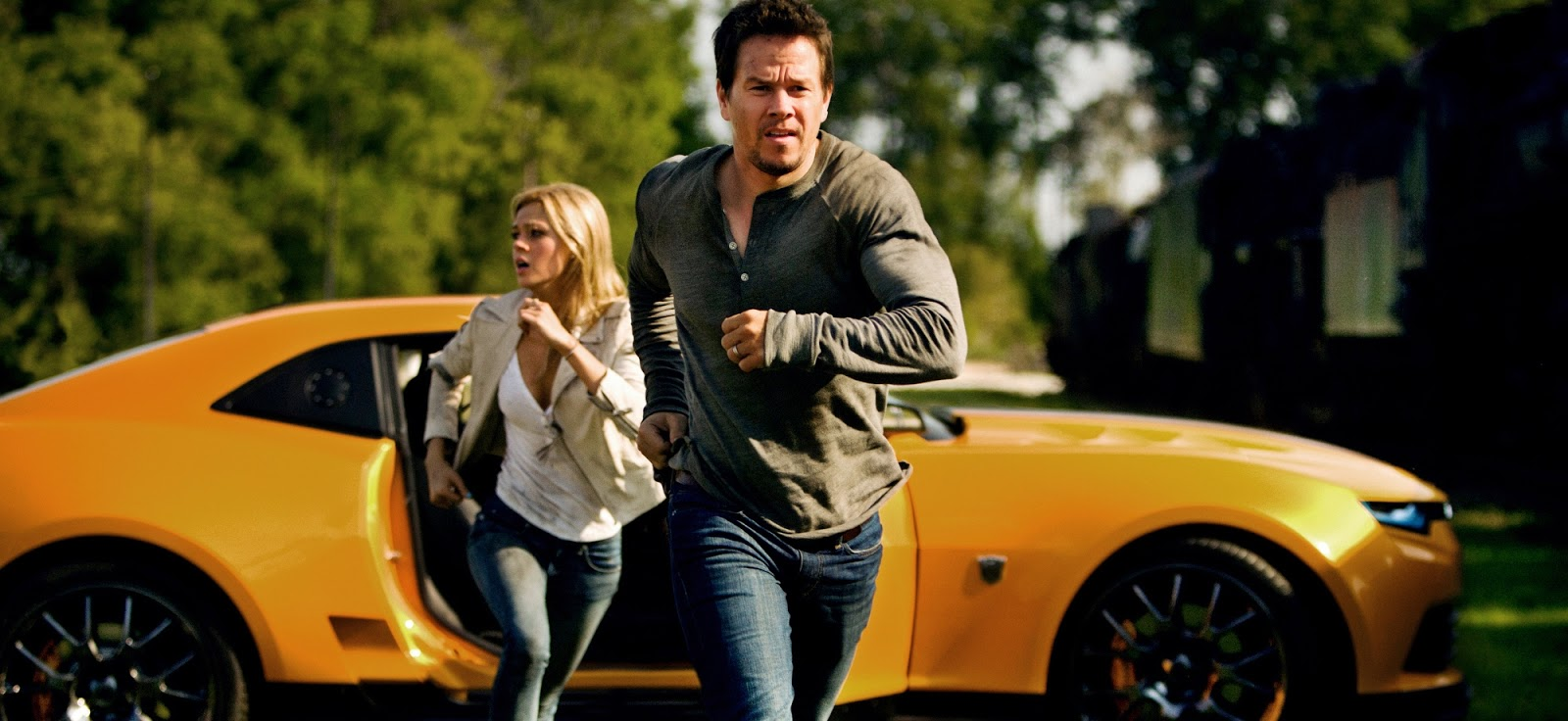 Mark Wahlberg e Nicola Peltz em imagens inéditas de Transformers: A Era da Extinção