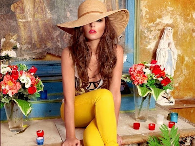 Cheryl Cole Colorful Wallpapers