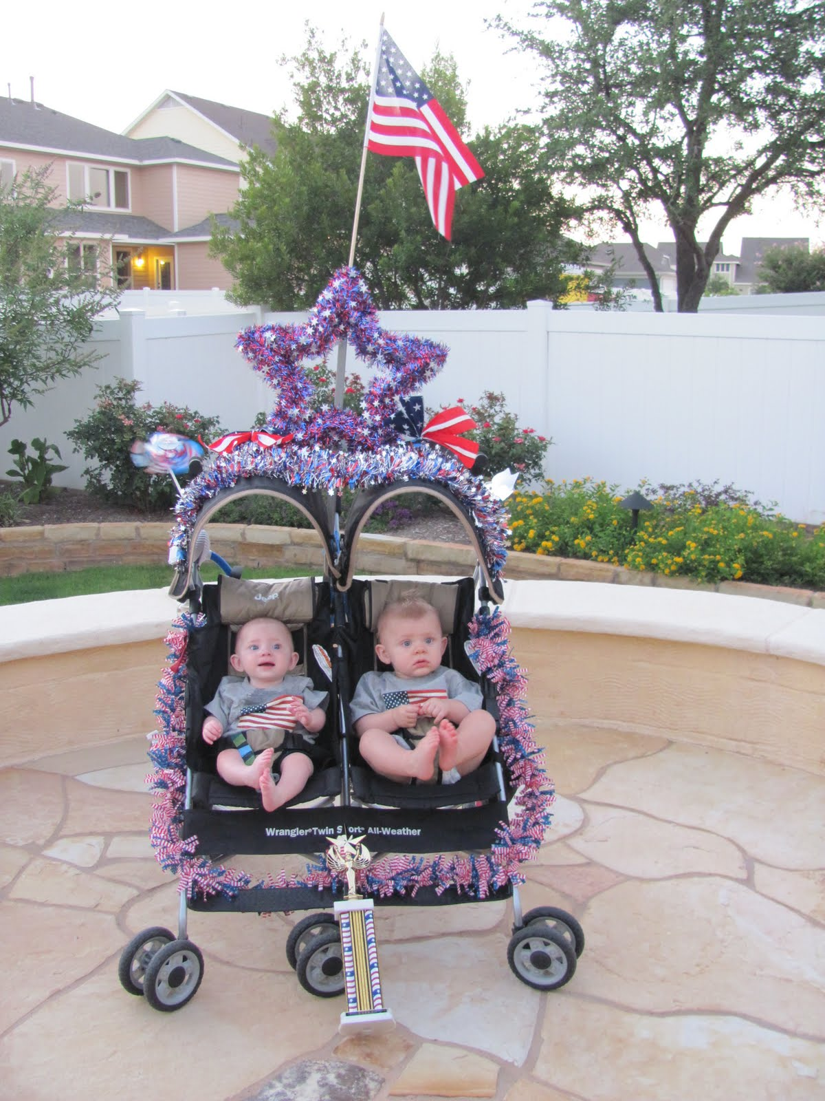How to decorate a stroller 76