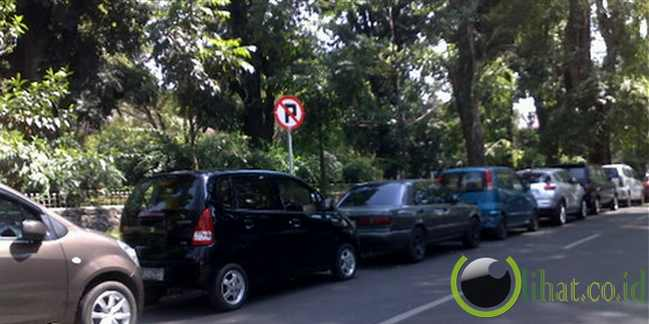 Dilarang Parkir