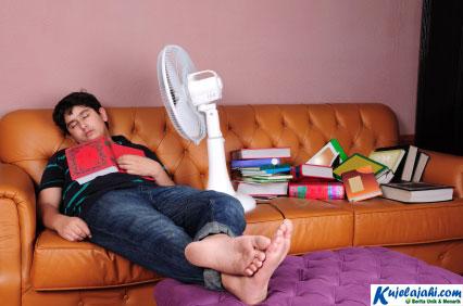 Inilah Bahayanya Tidur Dengan Kipas Angin - Kujelajahi.com
