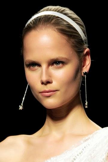 Magmakeup tendencias maquillajes y peinados novias 2014 for Recogido castana