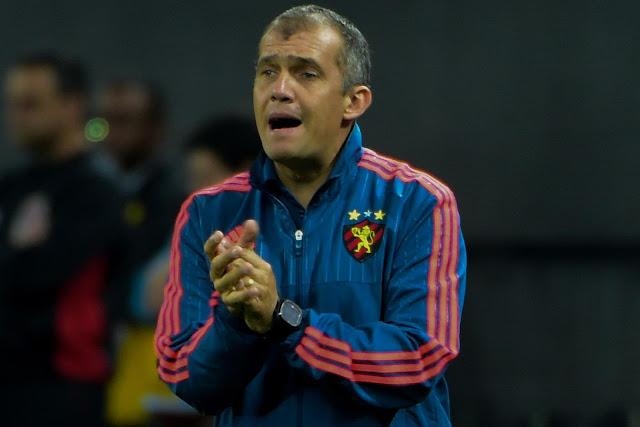 Eduardo Baptista rechaça queda de rendimento do Sport e prevê reação (Foto: Djalma Vassão/Gazeta Press)