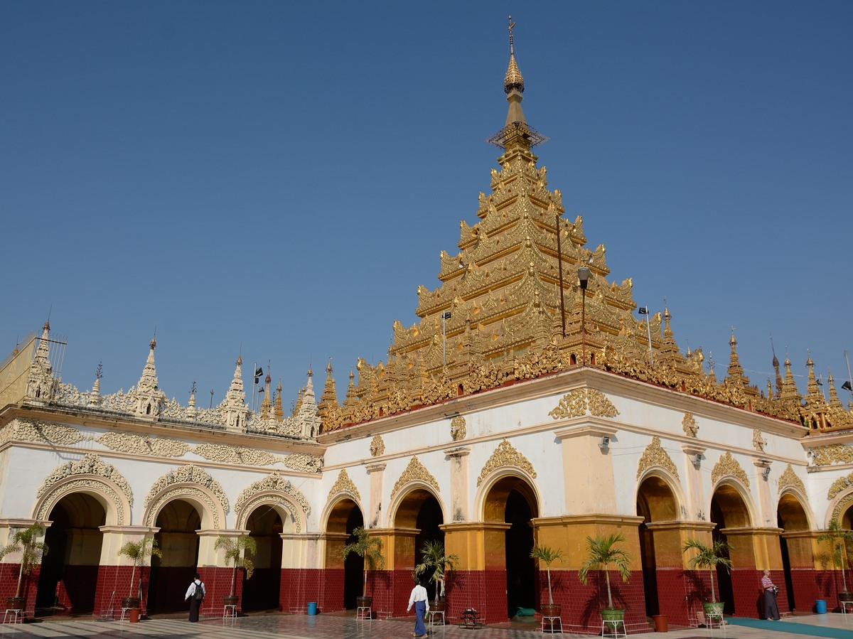Mahamuni Pagoda in Mandalay