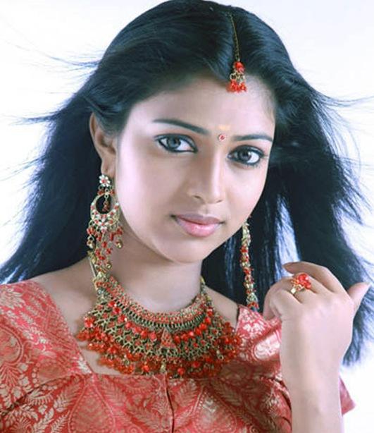 Tamil Actress Amala Paul Hot Pics, Movies list, Family