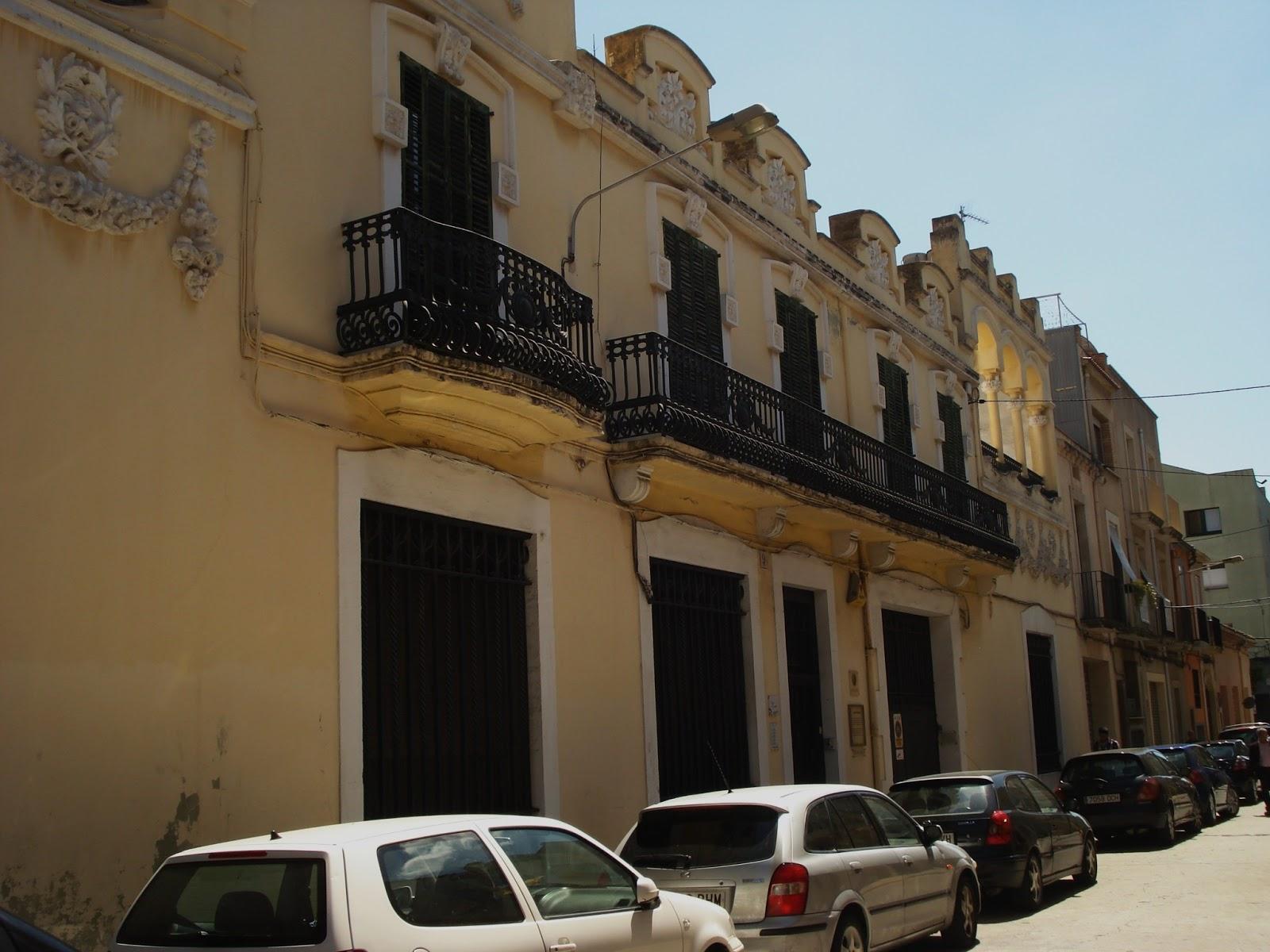 Tot son punts de vista la casa antoni galt s main de for Morato vilafranca
